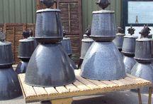 Industriële Verlichting / Industriële lampen, fabriekslampen, oude emaille lampen.