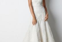 Wedding Dresses / by Mariana Cidad