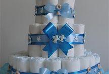Como fazer bolo de Fraldas e mais ideias / Ideias de bolos de fraldas, enfeites, lembrancinhas, decoração... Veja mais ideias no Facebook  e no Blog do Fika a Dika