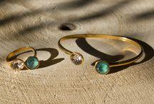 Cuff Collection / Wil jij ook stralen met deze mooie cuff collectie met echte Swarovski stenen? Een echte eye-cacher! De sieraden zijn nikkelvrij en gemakkelijk verstelbaar.  Bestel de collectie op www.cherish-life.nl