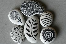 Stonespainted / Painted stones