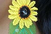 Seed bead flower and leaves