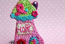 Crafts - Crochet Homes for Anything! / (mostly) free crochet patterns for houses, toadstools, birdhouses, etc 3D or flat