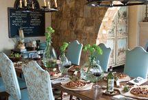 Eetkamerstoele en tafel