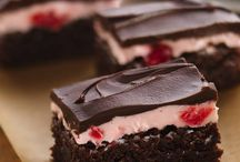 Cherry mousses brownies