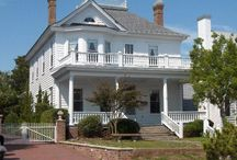 Beaufort Beach House Renovation / The before and after of remodeling an 1800's beach house