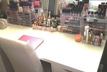 Makeup room: organization and decoration