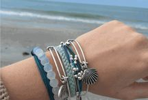 PV Bracelets Promoted Pins / Promoted pins for Pura Vida / by Pura Vida Bracelets