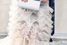 Ślub w perłach / Garść inspiracji ślubnych. Na zdjęciach mamy zazwyczaj imitacje - o ileż piękniej wyglądałyby na ich miejscu perły!