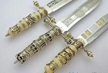 Ножи, мечи, топоры и т.д.