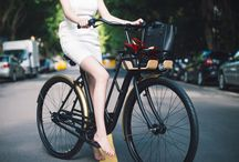 VANMOOF Q Series / The VANMOOF M3 Queen is the perfect citybike for the modern woman! She needs a bike that can get her from A to B and back again, safely, in utmost style, with all of the equipment that modern life demands.