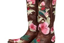 Cowgirl  Boots / by Natalie Carter