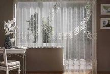 Firany / Podana tablica to zbiór inspiracji, dotyczących dekoracji okiennych.