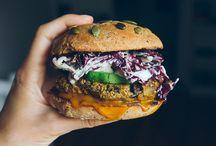 Vegetarische Burger. / Rezepte für vegatarische Burger. Burger Buns, Burger Brötchen, Saucen für Burger und vegane Burger.
