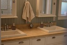 Small Bathroom for London APARTMENT / Ways to beautify a space you can't really change too much.