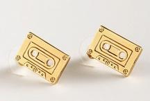 GOLDrausch / Go for gold! Accessoires in gold sind jetzt eine gute Investition. Wir prophezeien: glänzende Looks und neidvolle Blicke.  / by frontlineshop