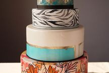 Wedding Trends: Hand Painted Wedding Cakes / We are featuring hand painted wedding cakes, which have been trending for a while now across the world. This cakes are quite artsy, with intricate paint details that looks almost too good to be true, and we bet they are as delicious as they look! This hand painted wedding cakes are a great way to reflect your theme, whichever way you want it.