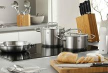 Para cocinar / Una selección de productos diseñados para los amantes de la buena cocina. Cocinar hoy en día tiene que ser fácil y placentera, os presentamos una selección de productos que reúne estas cualidades.
