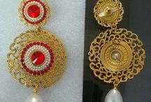 earrings / Bhagwati arts