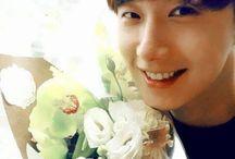 정일우 Ilwoo Jung w flowers