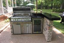 Outdoor kitchens / by Misty Sanders