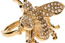 JewelMint Honey Bee Ring