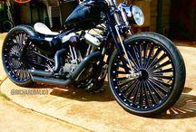 Harleysite #Repost @jimrabatzis #therevv #motorcycles  #motorcycleforum