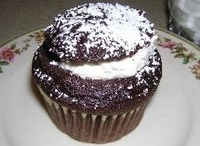 cupcakes / by The Little White Kitchen (Michele Bowman)