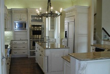 Kitchens / by Sally Hiatt