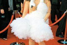 los vestidos mas feos / es un tablero q muestra diferentes vestidos muy feos