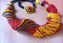 Beaded Spirals, Ropes and Chains / by Nigora Reetz