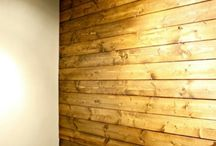 Vardagsrum / Wood paneling, floor