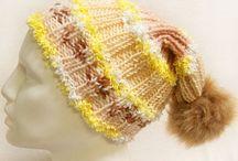 Fashion hat / Fiberinnehåll :80% Akryl, 20% Polyester Stickor :5 - 5 mm. / US 8 - 8 Färg :Vit, Gul, Lax, Fosforsyra Orange Vikt :65 gr. / 2.29 oz. per nystan Längd :90 m. / 98.4 yds. per nystan Vikt Typ :5 Tjockt: Chunky, Craft, Rug