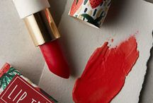 Beauty Gifts / Gifts for the beauty junkie in your life! / by Keep Shopping