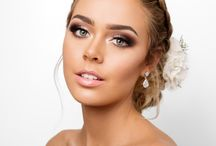 Hair and Makeup for brides / Aurum Bride is a premier airbrush makeup and hair styling service for Brisbane, Gold Coast and International brides brought to you by expert makeup artist Rachel Morecraft, supported by multi award winning hair stylist Kristy Gibson.
