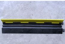 Cable Protector Ramp / Rubber cable protector is mainly used for protecting the cables through the roads, those used in temporary works and stages, good pressure resistance, convenient and good look.