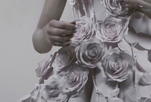 Бумажные цветы/ Flower paper / Качественная подборка работ по оформлению пространства свадьбы или праздника бумажными цветами.  Цветы из бумаги, как искусство.  Гигантские бумажные цветы. То, что делают гуру свадебного декора качественно, дорого и красиво.  Бумажные цветы в интерьере.