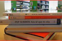 Roba un poema / Iniciativa de la Biblioteca Pública de Girona que es tracta de crear poemes visuals amb els lloms dels llibres   Us anirem sorprenent de tant en tant... estaràs atent als poemes robats?