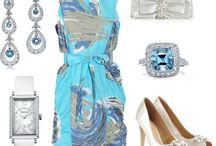 Clothes / Fashin, fashion, fashion. Wish I owned all of these gorgeous clothes. / by Tiffani Smith