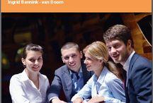 E-book 'Versterken van je professionele communicatie' / Dit E-book gaat over het versterken van je professionele communicatievaardigheden. Je kunt handvatten vinden om het onderlinge begrip en daarmee de samenwerking tussen jou en je gesprekspartners te vergroten. Zelfs als je het lastig vindt om met sommige gesprekspartners te communiceren en samen te werken.