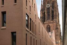 Stadthaus am Markt - Domrömer Frankfurt mit rotem Wüstenzeller Sandstein
