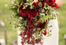 INSPIRATION | Red Bouquets / Lots of lucious reds