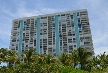 EXTERIOR / Casa del Mar is a luxurious condominium surrounded by a relaxing oceanfront landscape retreat in Key Biscayne. It was built back in 1971 evoking a classic elegant style of waterfront living. The building has 27 stories and 197 condos, some of them are available for sale and for rent!