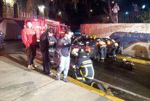 Siete lesionados dejó choque en Santiago Centro / Un accidente de tránsito dejó siete jóvenes lesionados en la intersección de Moneda y Santa Lucía, en la comuna de Santiago Centro.  El hecho ocurrió pasadas las 5 horas, cuando el conductor del vehículo perdió el control del volante y chocó contra un muro de contención.