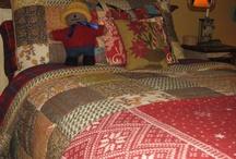 Bedrooms #1 ♥♥♥ / Pour moi, la chambre à coucher représente la chaleur du foyer, je me sentirais tout a fait comfortable dans chacune d elles...  take every pin you like,  but please be reasonabable... :) / by Carole Grant