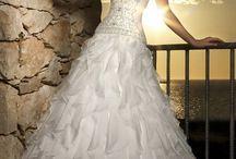 wedding dress / by Diana Rabina