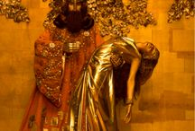 Gustav Klimt's by Inge Prader / Based in Austria, photographer Inge Prader paid homage to Gustav Klimt's golden paintings by creating still-lifes. With the use of multiple models, Prader set the scene and atmosphere, which transformed itself into a stunning artistic performance.
