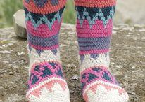 virkatut sukat ja muut asusteet