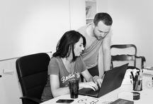 """zespół promocjone.com :) / jesteśmy studiem reklamy, które zajmuje się: projektowaniem stron internetowych, tworzeniem strategii komunikacji zewnętrznej w szerokim i """"węższym zakresie"""", opracowujemy system identyfikacji wizualnej, PROJEKTUJEMY I DRUKUJEMY KOSZULKI, a także PLAKATY:)"""