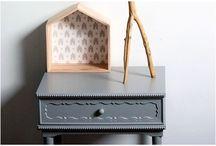 Couleurs / Couleurs est une peinture satinée pour meubles et objets en bois ou mélaminé. C'est la peinture idéale pour personnaliser votre déco ou offrir une deuxième jeunesse à votre mobilier.